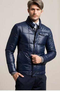 Geaca din colectia Answear. Model izolat confectionat din material matlasat.  Pret nou: 149,90 lei - Pret vechi: 319,90 Lei  #fashion #man #geaca #manjacket #jachete #barbati #medelin #answear #winterishere Winter Jackets, Leather Jacket, Mens Fashion, Lei, Model, Winter Coats, Studded Leather Jacket, Moda Masculina, Leather Jackets