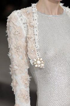 Couture Details, Fashion Details, Love Fashion, Fashion Show, Fashion Design, Fashion Pics, Chanel Fashion, Runway Fashion, Womens Fashion