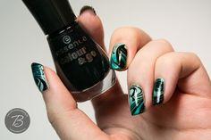 Teal Gradient Watermarble Nails