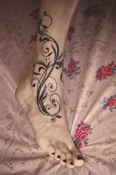 ankle scroll tattoos – Tattoo Tips Vine Tattoos, Cover Up Tattoos, Leg Tattoos, Flower Tattoos, Body Art Tattoos, Tatoos, Ankle Tattoos For Women, Tattoos For Women Flowers, Legs