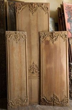 Paneled rooms - Wood paneling Paris France . Specializes in antique wood paneling as well as the reproduction of paneling