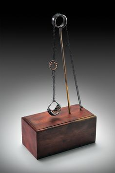 Inventive Necklace Stand