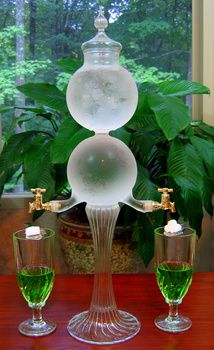 Such a gorgeous water dispenser/fountain.