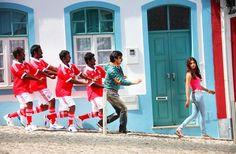 Veja o divertido Vídeo de Bollywood filmado em Portugal que tornou-se víral nas redes sociais | Escapadelas | #Portugal #Lisboa #Lagos #Video #Bollywood #Balupu