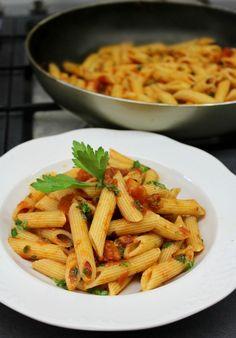 πένες αραμπιάτα αυθεντική συνταγή Cookbook Recipes, Cooking Recipes, Greek Beauty, Italian Pasta, Penne, Risotto, Macaroni And Cheese, Carrots, Spaghetti