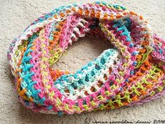 oh I wish I could crochet one of these!!  I love it!!