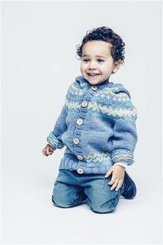 1501: Modell 18 Jakke med mønster og hette #sisu #strikk #knit