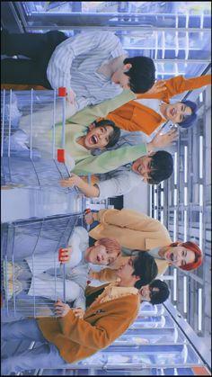Seventeen Minghao, Mingyu Seventeen, Seventeen Wallpapers, Happy Pills, Bullet Journal Ideas Pages, Jeonghan, Kpop Boy, Boyfriend Material, Bts Wallpaper