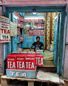 IN VARANASI In case you were wondering, this Indian shop sells tea.In case you were wondering, this Indian shop sells tea. Lhasa, Have A Nice Afternoon, Budapest, Amazing India, Darjeeling, Largest Countries, Jolie Photo, Varanasi, India Travel
