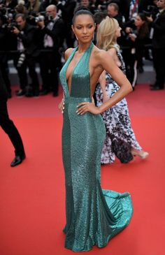 Lais Ribeiro attends the screening of 'Solo: A Star Wars Story' during the annual Cannes Film Festival at Palais des Festivals on May 2018 in Cannes, France. Gala Dresses, Red Carpet Dresses, Sexy Dresses, Fashion Dresses, Sparkly Dresses, Long Dresses, Women's Fashion, Jessica Chastain, Blake Lively