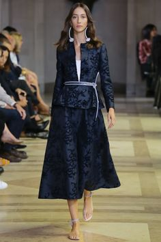 Carolina Herrera Spring 2016 Ready-to-Wear Fashion Show - Alana Zimmer