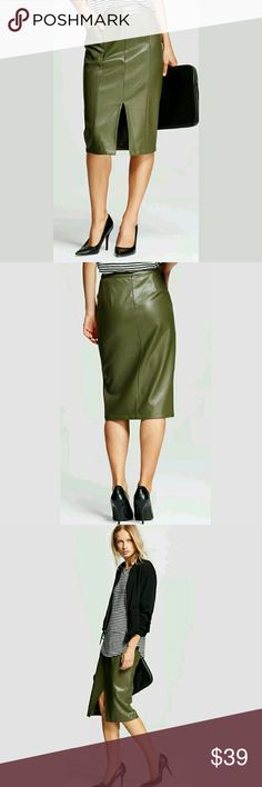 Faux Leather Below Knee Front Slit Skirt New without tags.   Transitional piece that bridges officewear and nighttime glam. Tuck in a silky blouse and add a blazer for an edgy workday look; the polished lines of this faux leather skirt mean one showstopping moment after another.  Size 2: 27 inch waist, 28 inches long. 38 in hips. Size 6: 28.5 inch waist, 28.5 inches long. 39.5 in hips. LB Who What Wear Skirts Pencil