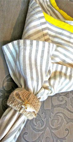 Shell Rope Napkin Rings by TheBeachyHomestead on Etsy
