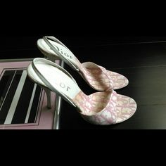 Dior heels 3.5in heel height, pink & white logo canvas slingback Dior Shoes Sandals