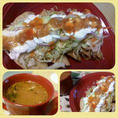 Tacos dorados de pollo con caldo de consome estilo Sinaloa.