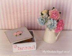 Shabby Chic Dollhouse Miniature Box . Scale 1.12. €14.00, via Etsy.