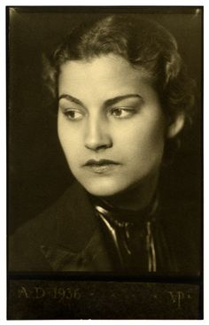 Black and white photograph of Mary Blackshear Farish looking to the left, 1936