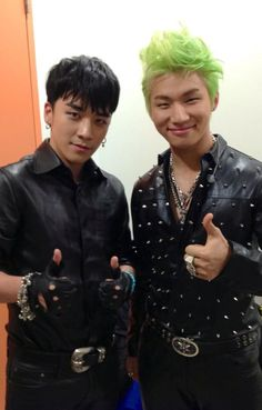 "Seungri (승리) & Daesung (대성) of Big Bang. From Seungri's Twitter Feed: ""HAPPY NEW YEAR!!!!"""
