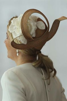 Imagen del día: la hija de Jennifer López se aburre en el desfile de Chanel