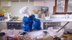 Apple debuts new iPhone ad featuring hands-free Siri with the Cookie Monster Monster Co, Cookie Monster, Latest Iphone, New Iphone, Apple Iphone, Macaron Le Glouton, Apple Commercial, Cannabis, A Siri