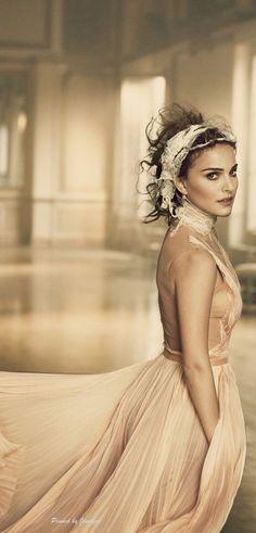 Natalie Portman for Vogue -  Book of Elegance ❤
