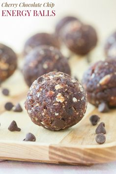Cherry Chocolate Chip Energy Balls - an easy healthy snack recipe with only a few ingredients that's nut-free and can be made gluten free and vegan. Sin Gluten, Gourmet Recipes, Snack Recipes, Healthy Recipes, Free Recipes, Healthy Desserts, Easy Recipes, Light Recipes, Amazing Recipes