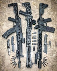 Which one would you pick i like the middle one Military Weapons, Weapons Guns, Airsoft Guns, Guns And Ammo, Military Army, Revolver, Armas Ninja, Templer, Custom Guns