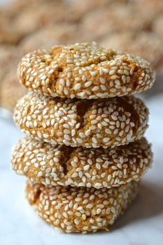Delicious chewy cookies made with tahini and coated in sesame seeds. One of my favourite cookies! Seed Cookies, Almond Flour Cookies, Honey Cookies, Gluten Free Cookies, Gluten Free Recipes, Scd Recipes, Sesame Cookies, Paleo Honey, Delicious Desserts