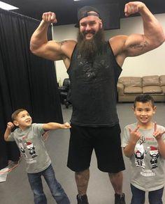 Wwe Live Events, Braun Strowman, Wwe Stuff, Wrestling Superstars, Total Divas, Wwe Wrestlers, Children, Kids, Legends
