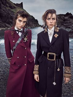 / military inspired fashion / vogue september 2016 / edie campbell and grace hartzel / Fashion Foto, Fashion 2018, Fashion Outfits, Womens Fashion, Fashion Trends, Latest Fashion, Fall Outfits, Edie Campbell, Military Inspired Fashion