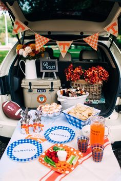 Orange and white Tennessee football tailgating ideas with Draper James. Orange and white Tennessee football tailgating ideas with Draper James. Tennessee Football, Football Tailgate, Tailgate Food, Football Food, Football Season, Fall Football, College Football, Football Parties, Tailgate Decorations