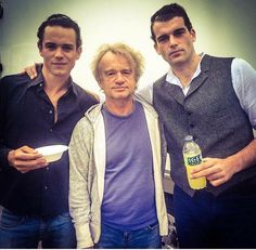 Louis XV, Master Raymond e le Comte in una sola foto.  stanley_weber: French Gang in Glasgow  Outlander Season 2, Outlander Book Series, Outlander 3, Outlander Casting, Sam Heughan Outlander, Outlander Quotes, Diana Gabaldon Books, Diana Gabaldon Outlander Series, Glasgow
