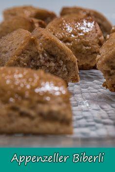 Heute wechseln wir den Kanton weg vom Bündnerland und nehmen uns eine weitere Schweizer Spezialität vor: Appenzeller Biberli. Die Lebkuchenspezialität aus dem Appenzellerland hat nämlich auch bei uns im Kanton St. Gallen eine lange Tradition. Aber keine Angst, unsere Biberli werden nicht bemalt und auch kein Bär kommt drauf. Nicht alles muss nach traditioneller Art gemacht werden. Kanton, St Gallen, Angst, Bread, Food, Ginger Beard, Almonds, Oven, Meal