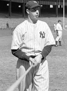 On May 1948 Joe DiMaggio had two homers, a triple, double and single as the Yankees pounded the White Sox New York Yankees Baseball, Ny Yankees, Baseball Batter, Baseball Pictures, Joe Dimaggio, Yankee Stadium, Just A Game, Baseball Players, One Team