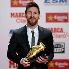 Top 10 Highest Paid Footballers in The World published in TopTeny magazine Sports - Football is proving to be not only one of the most exciting games but also the most lucrative. A proof of this. World Cup News, Fifa World Cup, Golden Shoes, Megan Rapinoe, Sport Football, Lionel Messi, British Museum, Fc Barcelona, Cristiano Ronaldo