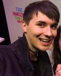 Dan Howell with choker, TATINOF>>> it actually looks v good im happy to be alive at the same time as this pretty bean