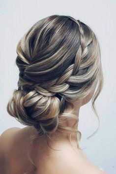 Low Bun Hairstyles, Bride Hairstyles, Classic Hairstyles, Hairstyles For Bridesmaids, Wedding Hairstyles Thin Hair, Simple Elegant Hairstyles, Simple Updo, Stylish Hairstyles, Hair Simple