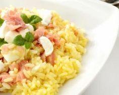Risotto léger au jambon et à la mozzarella : http://www.fourchette-et-bikini.fr/recettes/recettes-minceur/risotto-leger-au-jambon-et-la-mozzarella.html