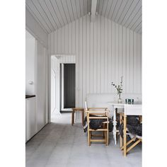 The little guest house by @m.arkitektur Modern Scandinavian Interior, Minimalist Dining Room, Globe Decor, French Country Living Room, Beautiful Dining Rooms, Minimal Decor, Loft, Home Decor Inspiration, Interior Styling