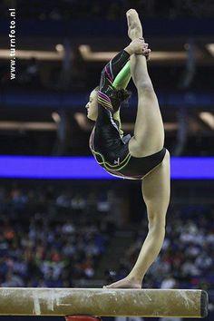 Elisabetta Preziosa (Italy) on balance beam at the 2009 World Championships