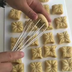 165 pieces Creative of homemade pastries - Delicious Food Donut Decorations, Food Decoration, Biscuit Cookies, Cake Cookies, Puff Pastry Recipes, Cookie Recipes, Comida Judaica, Sweet Crepes Recipe, Peanut Butter Bread