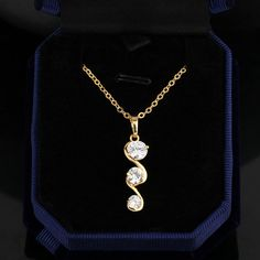 $2.4 45.5cm 18K Gold Plated Special Curve Design Inlay Zircon Pendant Copper Necklace http://www.eozy.com/45-5cm-18k-gold-plated-special-curve-design-inlay-zircon-pendant-copper-necklace.html
