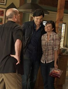 Still of Michael Ironside, Tom Welling and Erica Durance in Smallville