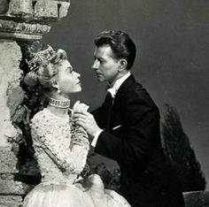 Vera Ellen & Donald O'Connor in Call Me Madam Hooray For Hollywood, Golden Age Of Hollywood, Classic Hollywood, Old Hollywood, Vera Ellen, Donald O'connor, Happy Birthday Beautiful, Korean Fashion Online, Old Movie Stars