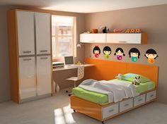 Habitación para niñas en tonos tierra, naranjas y verde manzana con pegatinas de Kokeshis en una de las paredes.
