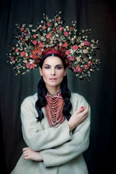 Women's Clothing Galicia (Lviv region). Suit: scroll with wool, at the bottom - shirt with embroidered collar. Headgear - a wreath of flowers painted paper coated with wax. Masha dressed Efrosinina