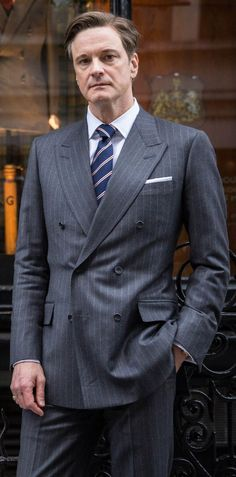 Colin Firth in Kingsman wearing a Holland & Sherry Viceroy Flannel double breasted suit Gentleman Mode, Gentleman Style, Dapper Gentleman, Mode Masculine, Sharp Dressed Man, Well Dressed, Colin Firth Kingsman, Kingsman Suits, Dandy Look