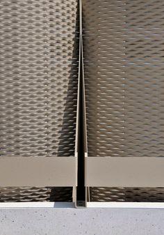 Fassadendetail - Konstruktion, Foto: Miran Kambic
