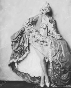 Beth Berie Show Girl Vintage 8x10 Reprint Of Old Photo Beth Berie Show Girl Vintage 8x10 Reprint Of Old Photo Alfred Cheney Johnston (April 8, 1885 - April 17, 1971) was a New York City-based photogra