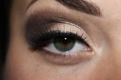 A nice shimmery brown makeup look, for everyday or mix it up with some bright lipstick to make it a little edgy! I used Too Faced eyeshadows doing this, leading lady and erotica.